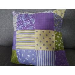 Polštář fialový patchwork