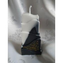 Svíčka věž, černo-bílá zdobená