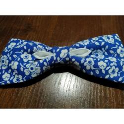 Motýlek pánský modré květy