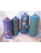 Svíčka ve tvaru válce. Krásné barevné kombinace nebo malované zdobení, vhodné pro jakoukoli ozdobu (vlastní foto, jméno, číslo, malovanou květinu, ornamenty atd.).