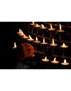 Svíčky s jemnou vůní a vlastnoručním zdobením pro zpříjemnění Vaší domácí pohody. Svíčky tvořené s radostí a péčí.